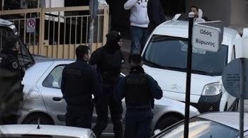 Βρέθηκε γιάφκα με όπλα στον Άλιμο (photos) 43d22b2102e