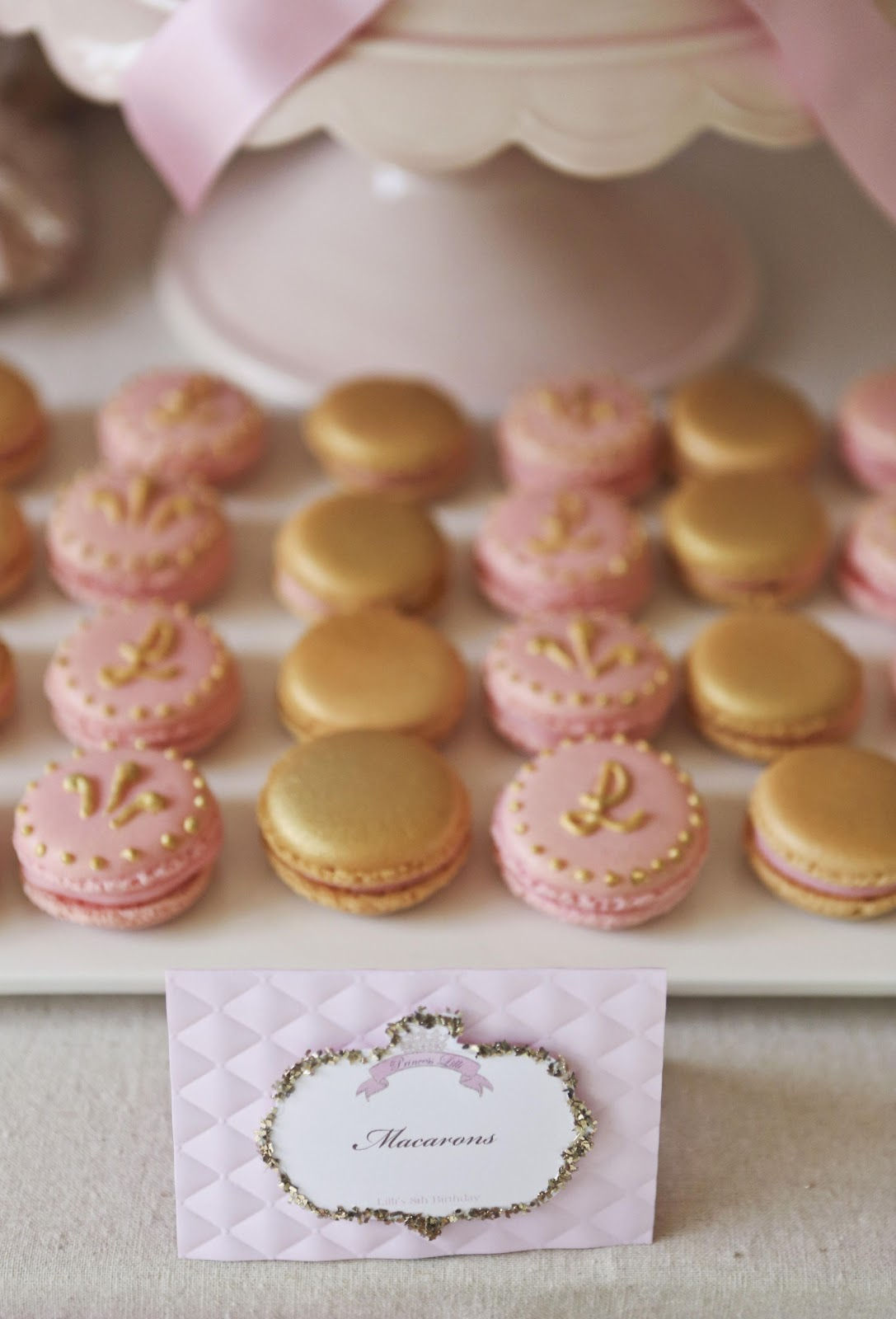 Bubble And Sweet Pink And Gold Decorated Shabby Chic