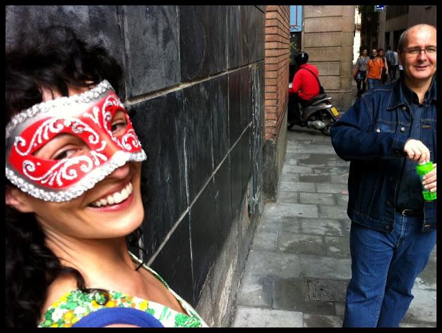 Roser Amills recita un poema de 'Morbo' (Cossetània 2012) a Víctor Amela