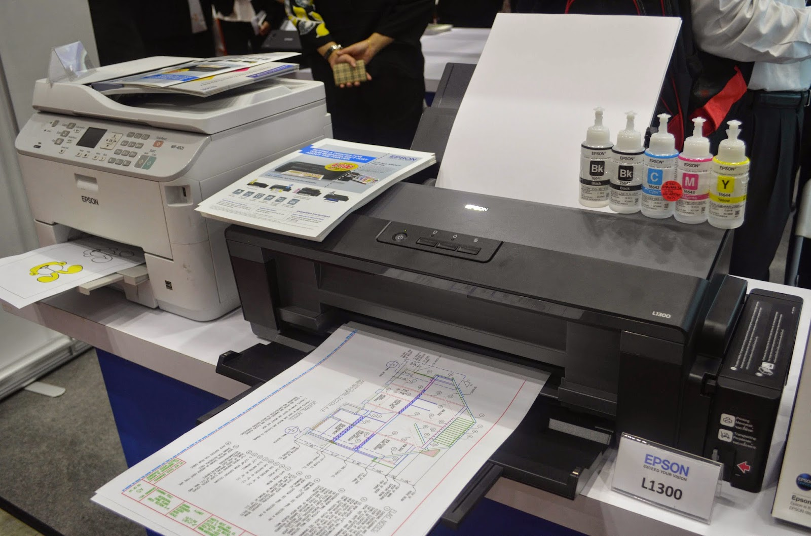 Sc Cyberworld Malaysias Latest It News Epson Brings Education To Printer L1300 The Worlds First 4 Colour A3 Original Ink Tank System Ultra Affordability High Quality Document Printing