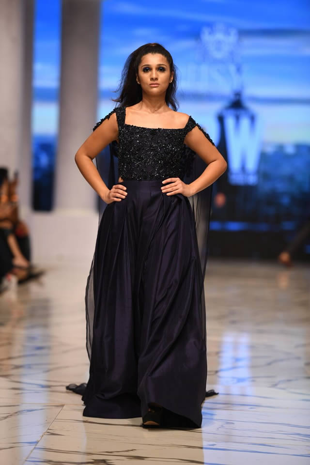 Pakistan Famous Fashion Designer Hsy Fashion Pakistan Week F W Elements Collection 2018