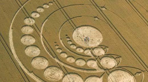 Científico decodifica Círculos de Cosechas y halla mensajes de ETs y viajeros del tiempo