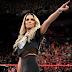 Trish Stratus retorna e despedida é realizada no RAW