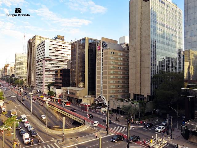 Vista ampla da parte final da Avenida Paulista - Bela Vista - São Paulo