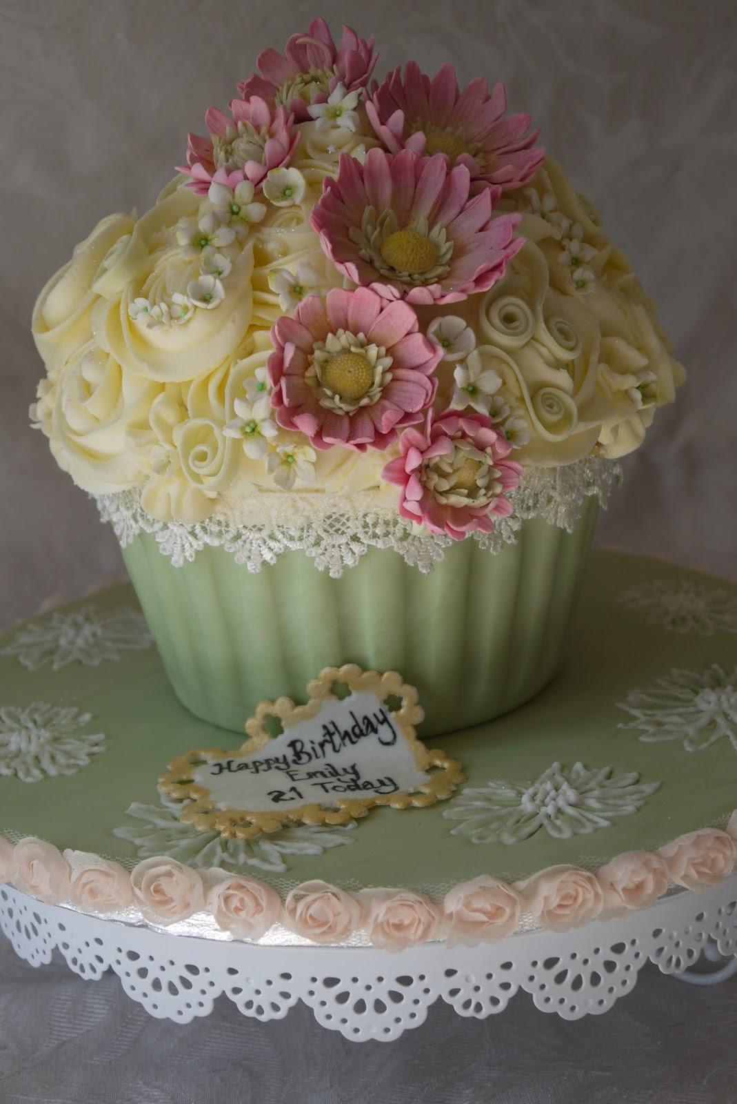 Scrummy Mummy S Cakes 21st Birthday Gerbera Giant Cupcake