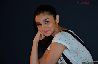 Bollywood Doll Alia Bhatt super cute pics   .xyz Exclusive 004.jpg