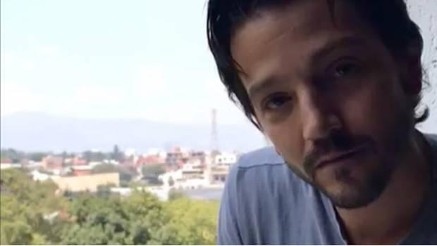 Diego Luna organiza su propio centro de acopio en Polanco