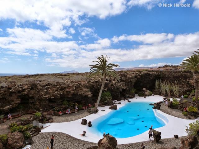 Sehenswürdigkeit und Ausflugsziel - Pool von Cesar Manrique Jameos del Aqua Lanzarote