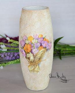 jarrón-decorado-cascaras-huevo