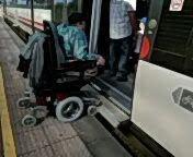 Intentando acceder al tren