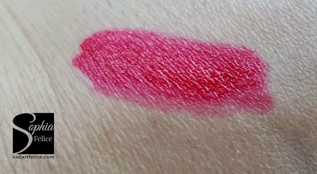 Joan Collins Timeless Beauty - swatch rossetto helene
