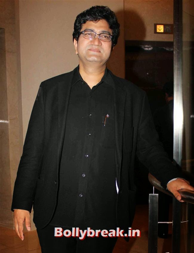 Prasoon Joshi, Monali Thakur, Pooja Bedi, Amitabh  NRI of The Year Awards 2014