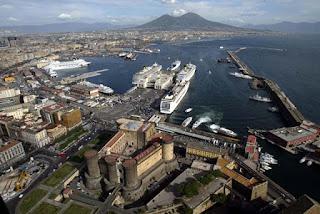 Lavoro flessibile nel porto di Napoli
