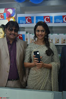 Rakul Preet Singh in a Designer saree at Launch of BIG C Show room at  Kurnool ~ Celebrities Galleries 015.jpg
