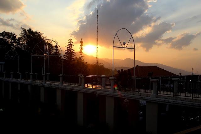 Sunset dari Depan Kamar Agrowisata Hotel Salatiga