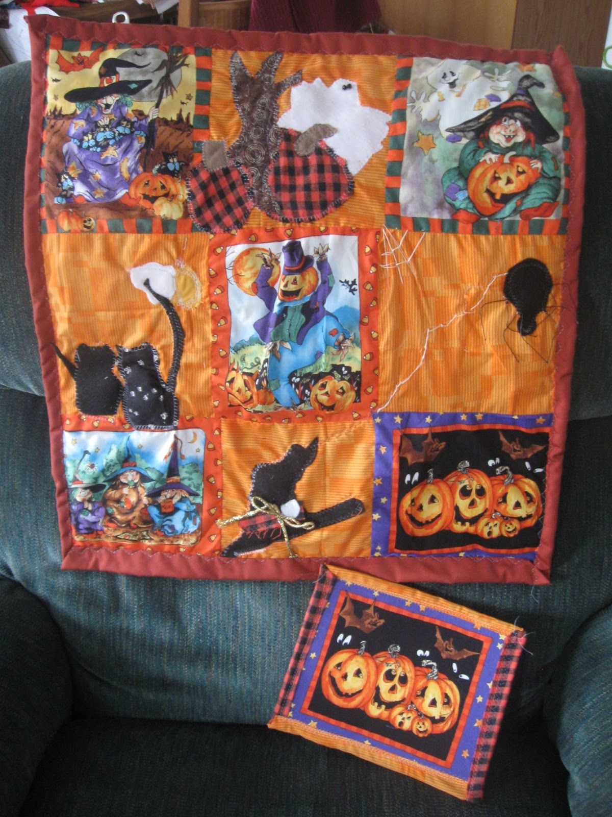 Hello To All Its Late Saturday Afternoon Here On The Oregon Coast And  Halloween Quilt Patterns Applique