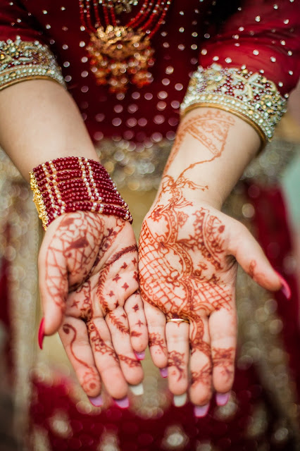 """Colorful indian wedding tradition of the """"Mehendi"""""""