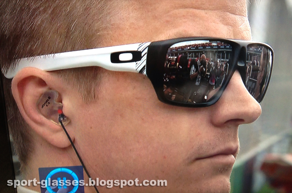 cea0c87298 Kimi Räikkönen wearing Oakley Dispatch Sunglasses at the Australian GP 2013