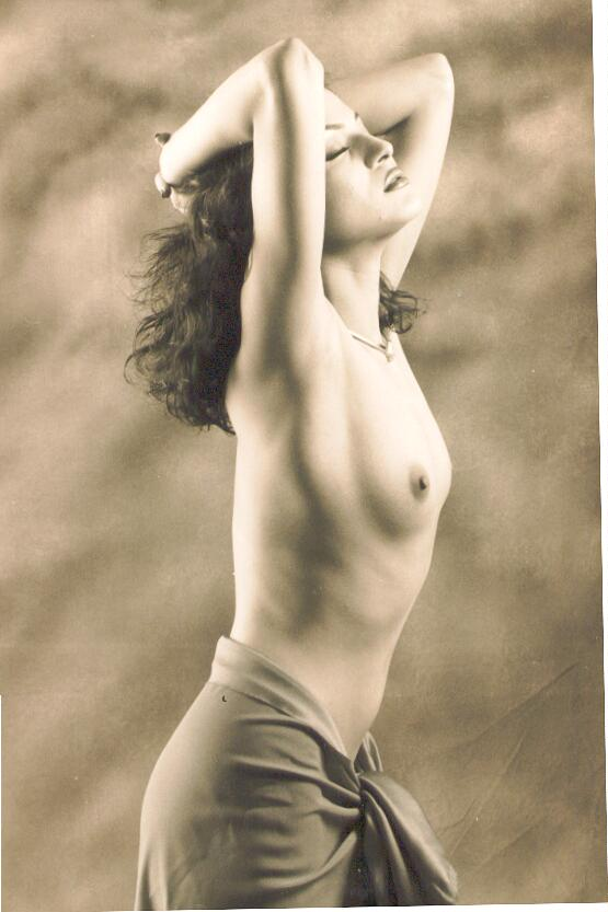 sherlyn chopra naked pics