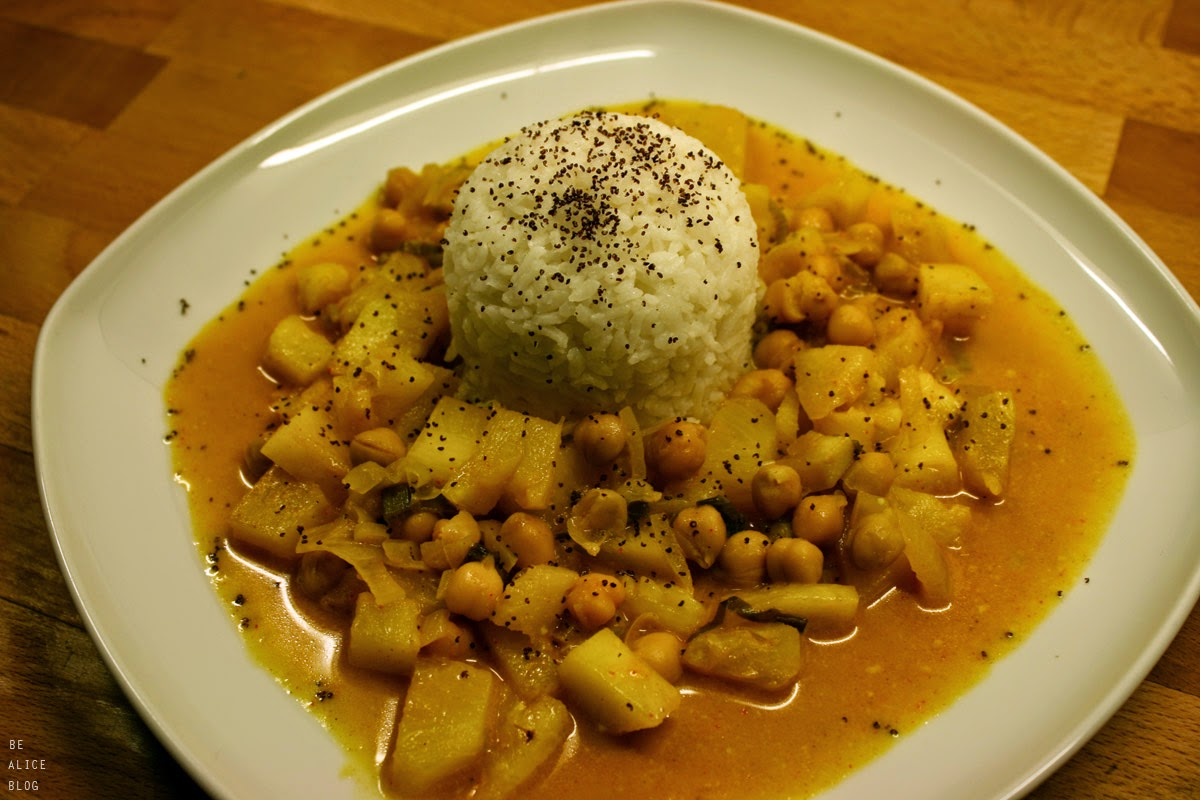 http://be-alice.blogspot.com/2015/03/spicy-pineapple-coconut-curry-vegan.html