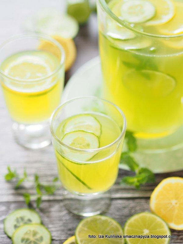 napoj na lato, lemoniada ogorkowa, ogorek zielony, napoj tonizujacy, napoje chlodzace, z ogorkiem i cytryna, na impreze, do picia,