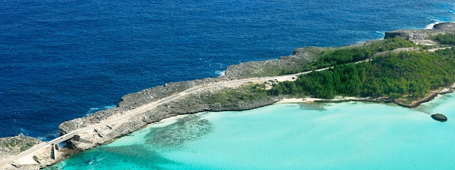 Glass Bridge em Eleuthera - Foto do site oficial de Bahamas