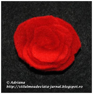 trandafir rosu din fetru