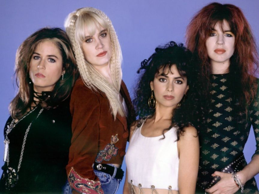 fcd3bbc44229d 30 Fascinating Photos of The Bangles in All Their '80s Glory ...