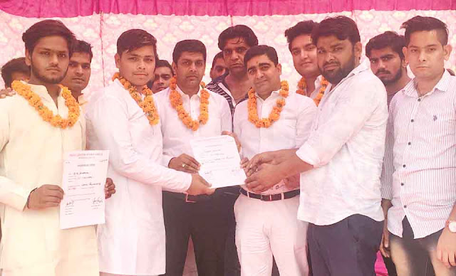 Rajiv Gandhi Study Circle presidant Hrithik Khatana of IMT College, appointed by Vice President Saurav Bansla