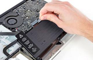 Mengganti Baterai dan Memberishkan Logic Board (CPU) Komputer Mac MacBook Pro