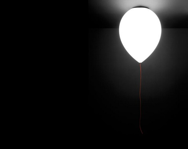 Illuminating Balloon Lamp