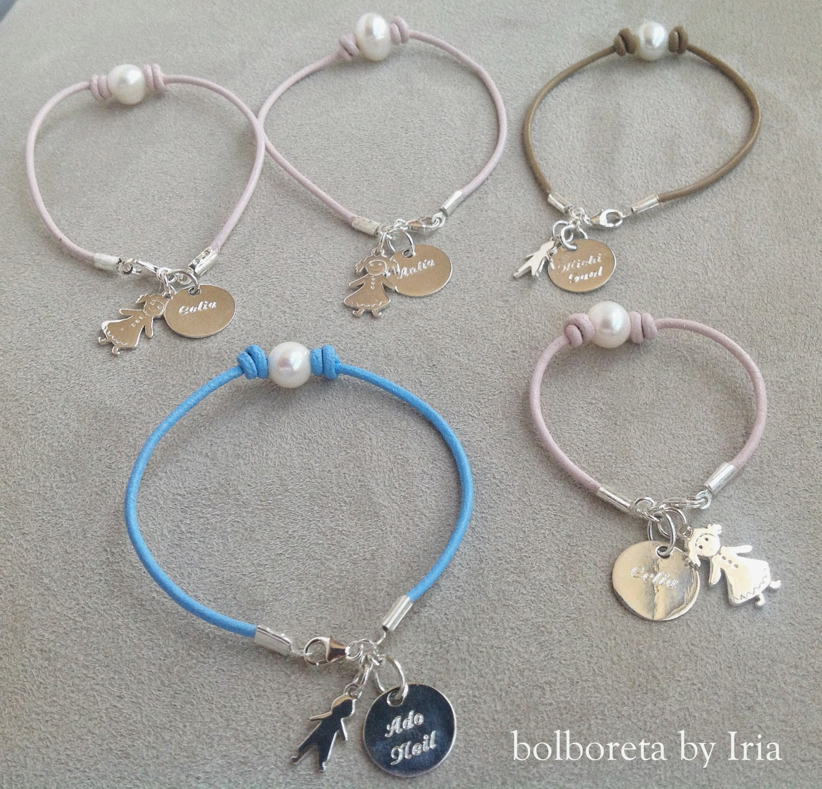 19e1902b50b5 Bolboreta by Iria (complementos)  Pulseras de cuero y perlas con ...