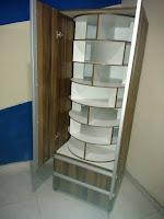 armario con organizador giratorio de zapatos