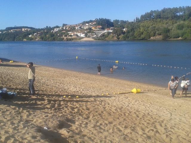 Zona de Banhos na praia de Arnelas