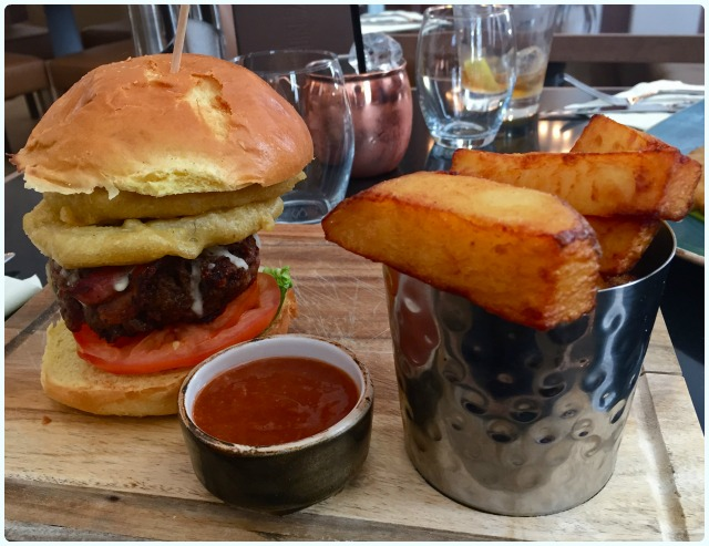 NYL Restaurant and Bar - Burger