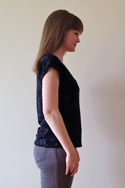 Diary of a Chain Stitcher: Cotton Jersey Emmeline Tee from Little Tailoress
