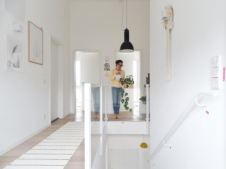 Gestaltung hoher Flur im nordisch-industriellen im Pultdachhaus | Fotoaktion #12von12 | 1 Tag in 12 Bildern im Juli | https://mammilade.blogspot.de