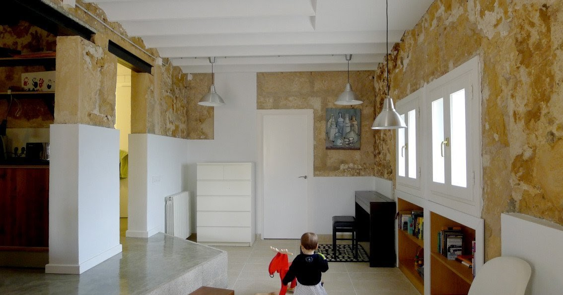 Reforma de una casa r stica miel arquitectos tecno haus for Reforma de una casa
