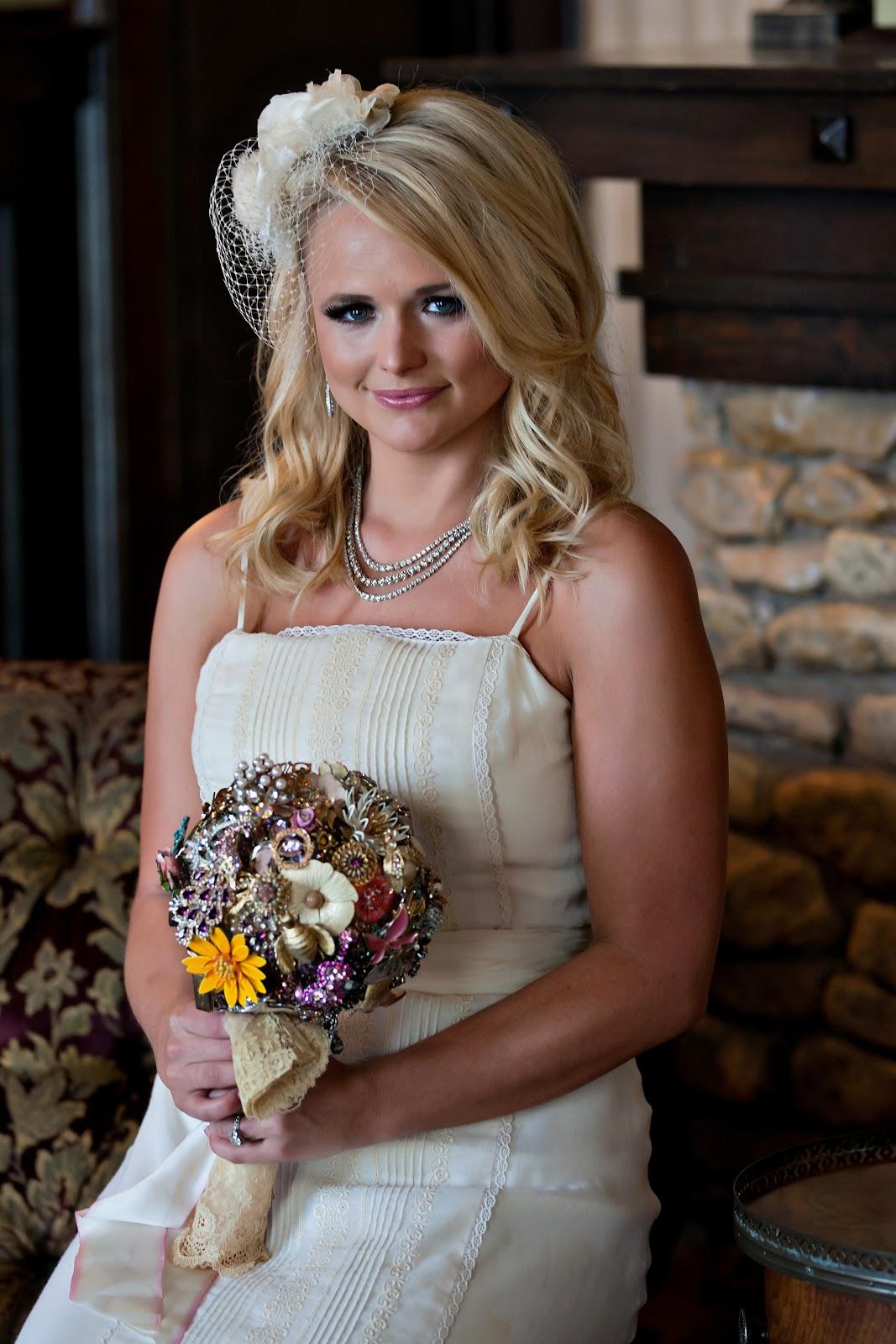 Blake Shelton And Miranda Lambert Wedding.Miranda Lambert Blake Shelton Wedding Miranda S Ritzy Rose Brooch