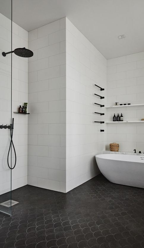 white and black bathroom design idea