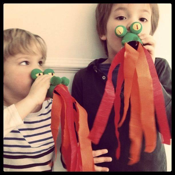 Ide membuat kerajinan berbentuk kepala naga menggunakan  kertas roll toilet  untuk anak-anak