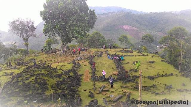Gunung Padang Cianjur Peninggalan Kebudayaan Megalitikum