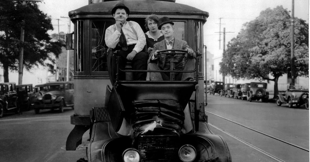 Oliver Hardy Tie Tralfaz: Laurel and Ha...