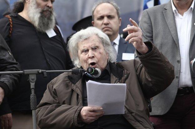 Μ. Θεοδωράκης: «Έγκλημα κατά της Ελλάδος» η συμφωνία των Πρεσπών