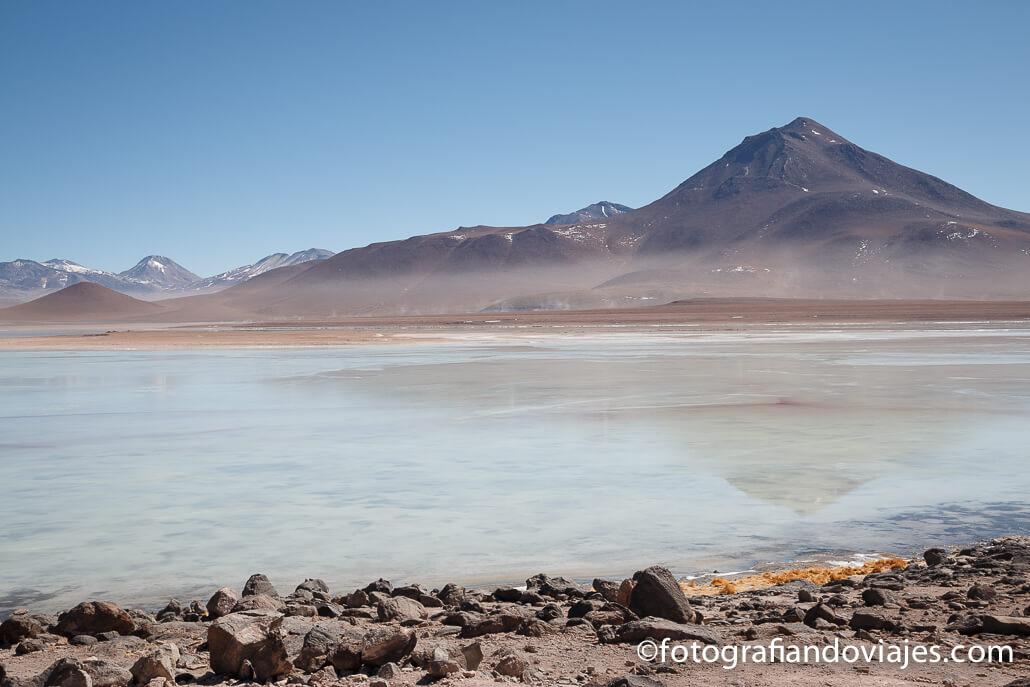 Laguna Blanca Parque Eduardo Avaroa Bolivia
