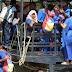 Por cauchos se queda varado transporte escolar de la Alta Guajira