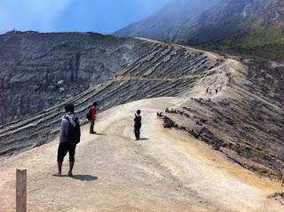 Jalur Pendakian Gunung Ijen