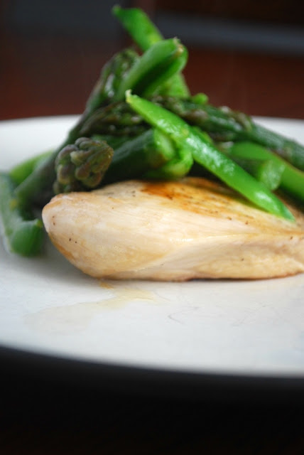 This amazing family friendly weeknight chicken is perfect for spring! Asparagus, Mint, Sugar Snap peas and Lemon!