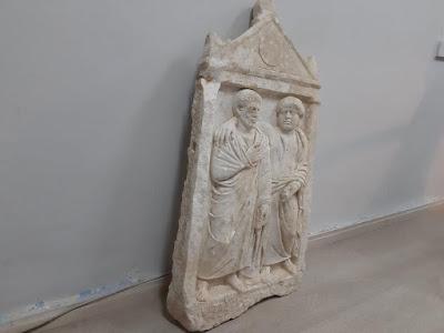 Μαρμάρινη επιτύμβια στήλη βρέθηκε στα χέρια αρχαιοκάπηλων