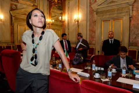 LE NOTIZIE DEL GIORNO. Si dimette il ministro De Girolamo. Legge elettorale, Forza Italia preme sull'acceleratore. Evasione, tutti i dati dei contribuenti nelle mani degli 007 del fisco